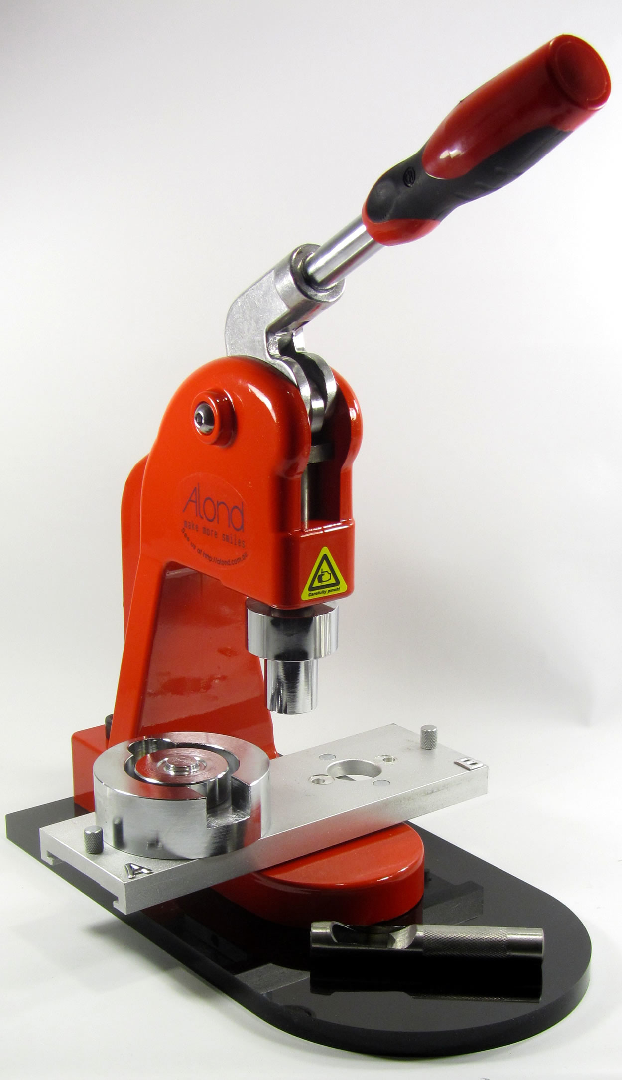 An easy to use eyelet press