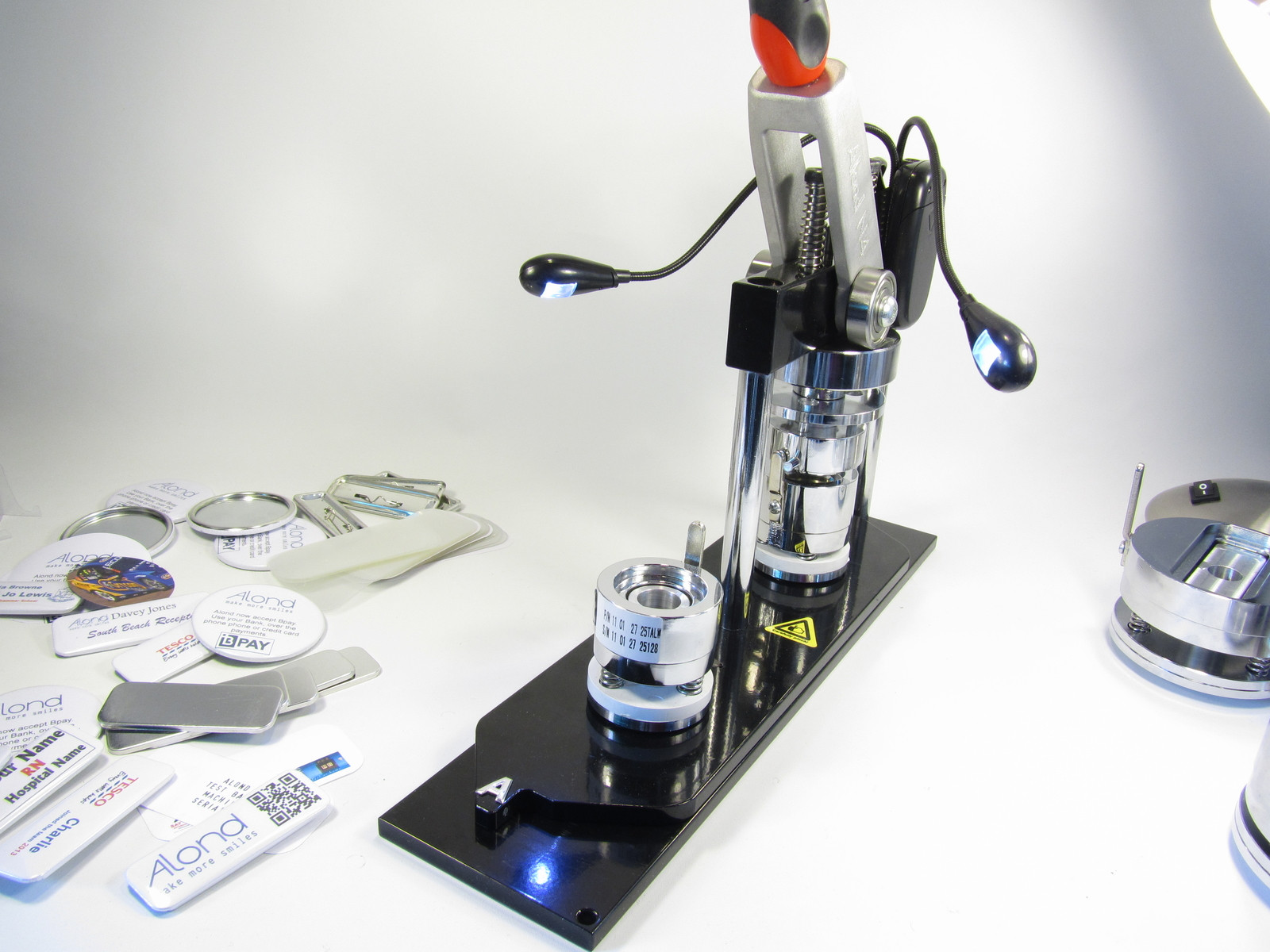 The Alond badge machine offers the largest range of accessories