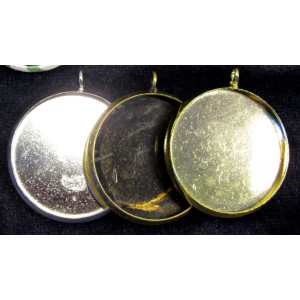 Use your badge maker to make these beautiful pendants