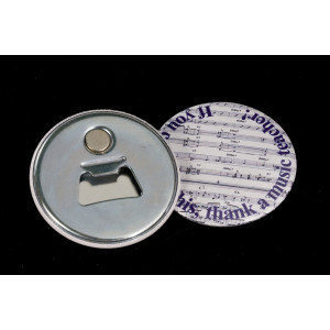 Promote your bar with this magnetic bottle opener badge